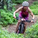 Helena Karásková je vicemistryně Evropy v terénním triatlonu. Bodovaly i české bikerky specialistky