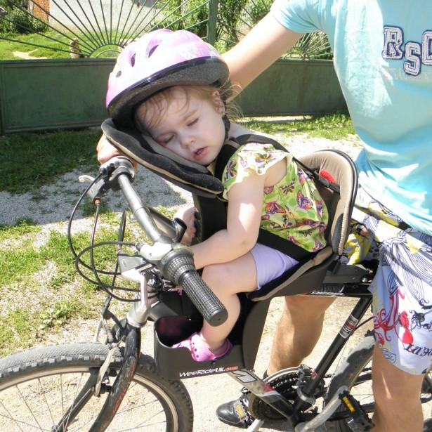 Sedačka Wee-Rider pamatuje i na chvíle, kdy na dítě přijde spánek