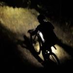 Začíná noční dobrodružství, těší se Karla Štěpánová a další stovka bikerů