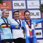 Slaví se bronz, ale i TOP ten se počítá. Ohlédnutí za ME v cyklokrosu v podání českých žen.
