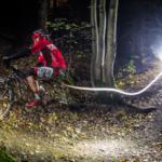 Bike Night Series už po osmé! Nažhavte světla, noční zábava začíná