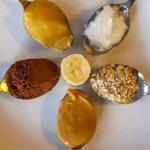 Sladký oat bread s arašídovým máslem. Zdravých tuků se nebojíme