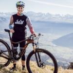 Švýcarka Linda Indergand, týmová parťačka Karly Štěpánové oznámila přestup do týmu LIV Factory